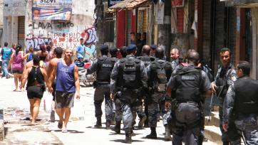 Police entering the Complexo do Alemao during the 2010 Rio de Janeiro Security Crisis
