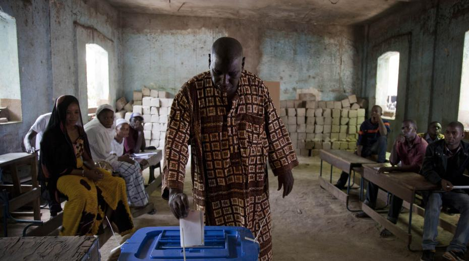 Mali holds presidential elections: polls to the people, power to the incumbents